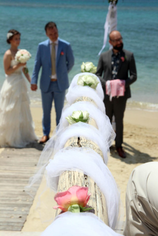 Aksana-Alexei-wedding-in-naxos-17